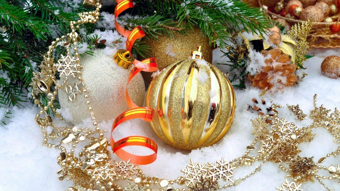 Уважаемые коллеги! Искренне поздравляем всех Вас с наступающим 2019 годом и рождеством!